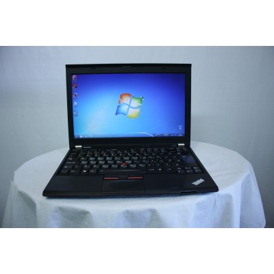 Laptop second  Lenovo Thinkapad X220, Core i5 2540M, 4GB RAM, 320Gb HDD, 12.5